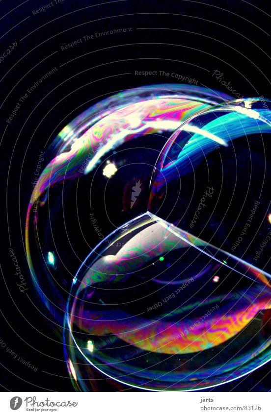 Bunte Blasen Welten I schön Farbe Luft glänzend fliegen blasen Seifenblase Schweben Regenbogen Fantasygeschichte knallig prächtig regenbogenfarben
