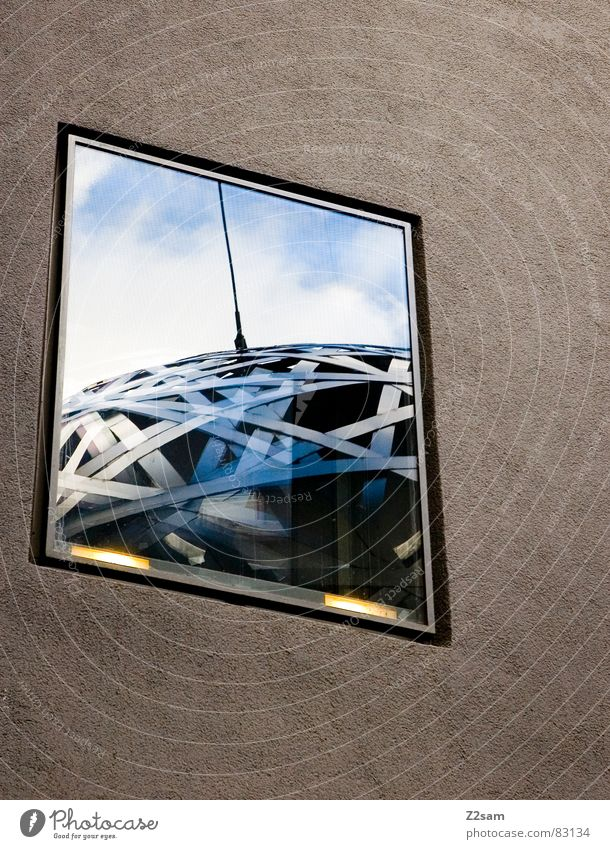 on air Funktechnik Antenne Stahl rund Fenster Reflexion & Spiegelung Wand Wolken Geometrie graphisch abstrakt Kunst Fensterscheibe Licht München modern