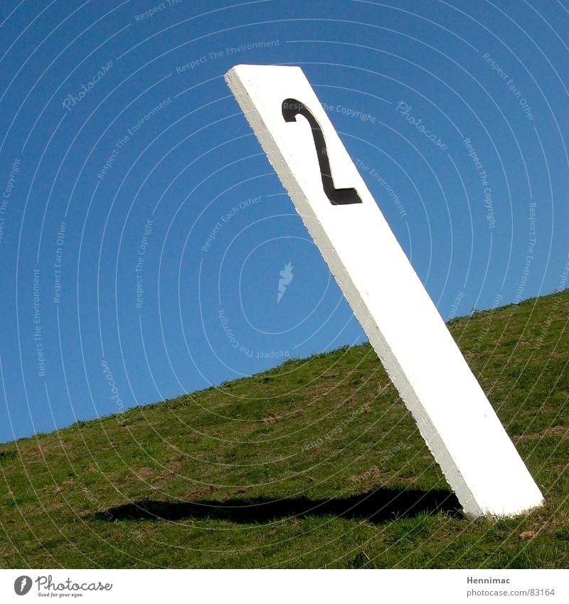 Zwei Winkel ! Himmel weiß grün blau schwarz Wiese Gras Linie Wasserfahrzeug 2 Kunst Schilder & Markierungen Horizont Perspektive Ecke Rasen
