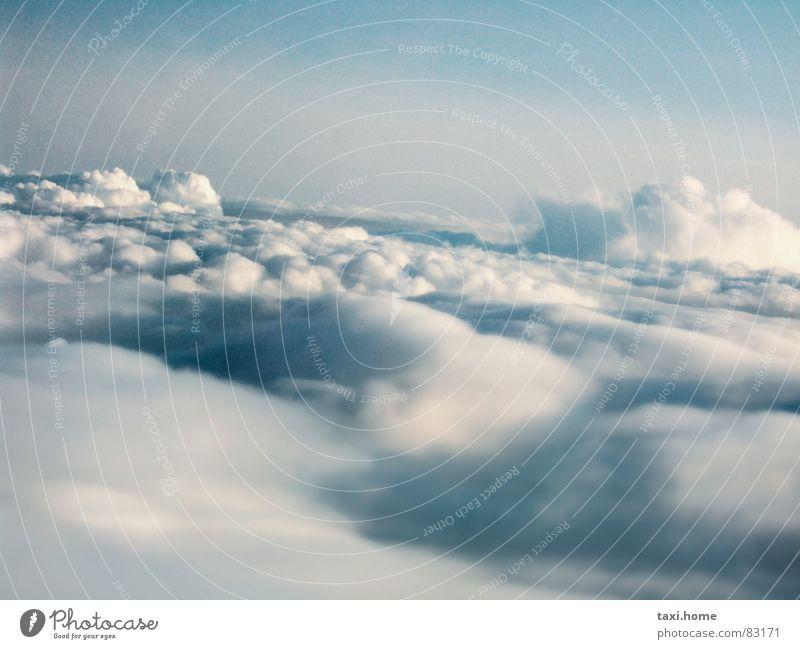 Fuchur Zuckerwatte Wetter St. Peter Götter flugtauglich Credo Flughafen Allah Weltmacht Wolken himmelblau Luft Sauerstoff Horizont Unendlichkeit Watte weich
