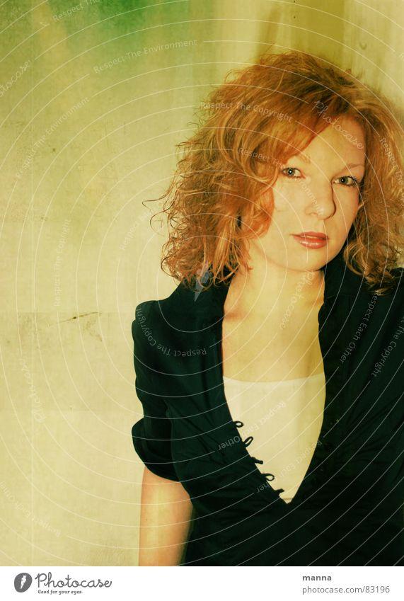 Retro_Lisa Frau schön grün rot Haare & Frisuren retro Dame attraktiv Junge Frau