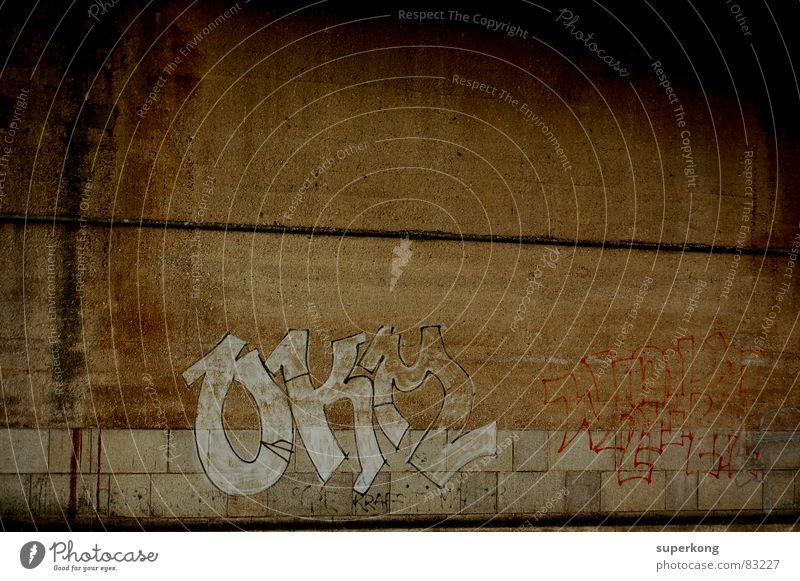 Street Stadt Umwelt Wand Graffiti Mauer Traurigkeit Stil Kraft Beton Brücke Industrie Trauer Schutz Fliesen u. Kacheln Gewalt Gesetze und Verordnungen