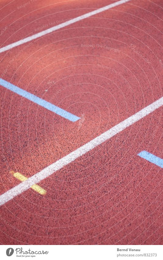 schwertkampf Sport Fitness Sport-Training Leichtathletik Sportstätten Rennbahn Schilder & Markierungen blau gelb rot weiß Tartan Spuren richtungweisend Richtung