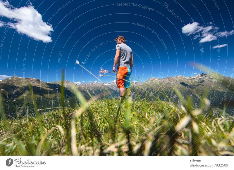tolle Aussicht #2 Ferien & Urlaub & Reisen wandern maskulin Junger Mann Jugendliche 1 Mensch 18-30 Jahre Erwachsene Landschaft Himmel Wolken Horizont Sommer