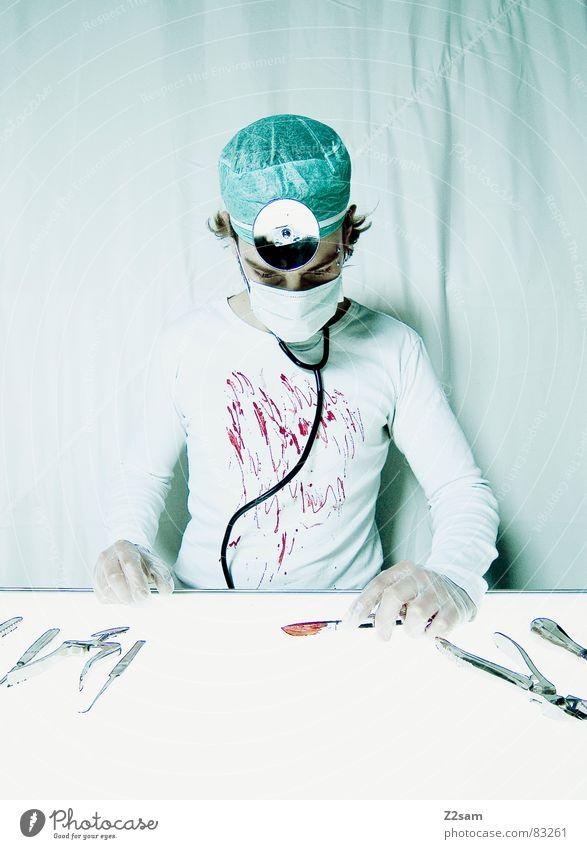 """doctor """"kuddl"""" - operation Gesundheitswesen Arzt Spiegel Krankenhaus Werkzeug Blut Musikinstrument Unfall geschnitten Handschuhe Mundschutz Operation Zange"""