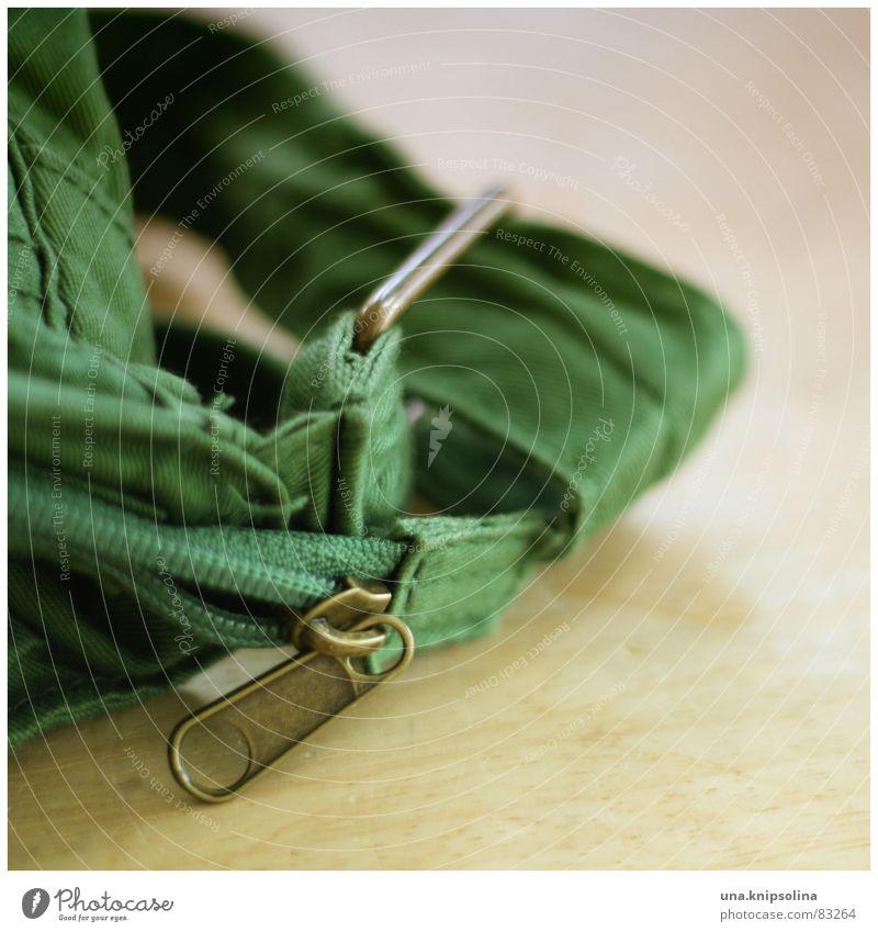 bag Gras Bekleidung Stoff Gürtel Tasche Sack Holz grün Taschenklemme Reißverschluss Naht Jeansstoff Schulranzen Material Nutzholz Aktenkoffer Mappe Pritsche