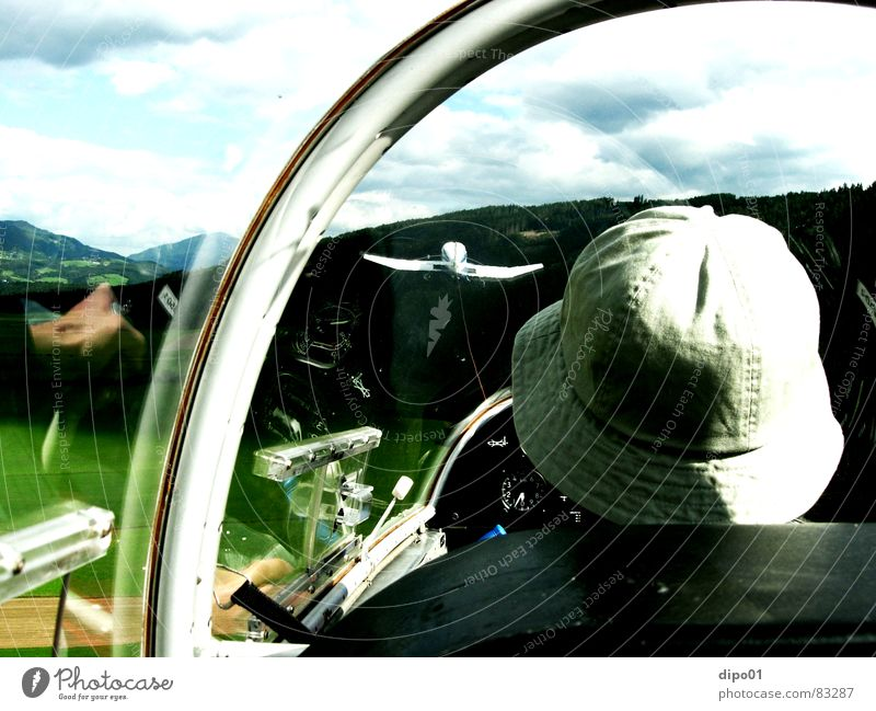Auf und der Ente nach Himmel Baum Wolken Berge u. Gebirge Gras Luftverkehr König Flugplatz Cockpit Segelfliegen Blaník