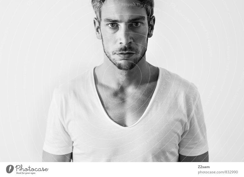 self Jugendliche ruhig 18-30 Jahre Junger Mann Erwachsene natürlich maskulin Lifestyle elegant blond authentisch einfach Coolness T-Shirt Bart Gelassenheit