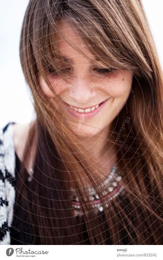 smile feminin Junge Frau Jugendliche Haare & Frisuren Gesicht 1 Mensch 18-30 Jahre Erwachsene brünett langhaarig Glück schön positiv Lächeln Farbfoto