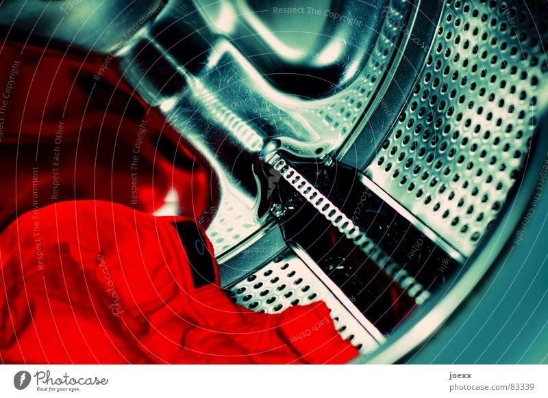 Vor Waschgang I grün rot Farbe Reinigen Bad trocken Wäsche waschen Wäsche Unterwäsche Unterhose Waschmaschine Lochblech Blech Waschtag Edelstahl Wäschetrommel