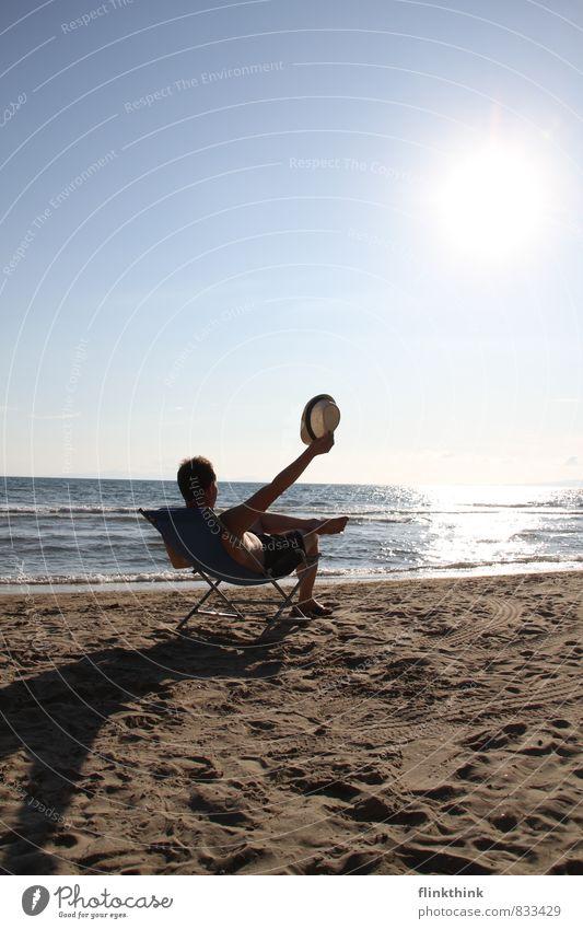 Feriengrüsse Mensch Kind Jugendliche Mann Sommer Sonne Meer Erholung Strand 18-30 Jahre Junger Mann Erwachsene Küste Sand träumen maskulin
