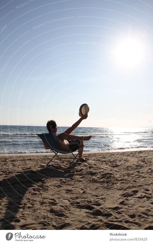 Feriengrüsse Mensch maskulin Junger Mann Jugendliche Erwachsene 1 13-18 Jahre Kind 18-30 Jahre 30-45 Jahre Wolkenloser Himmel Sonne Sommer Küste Strand Bucht