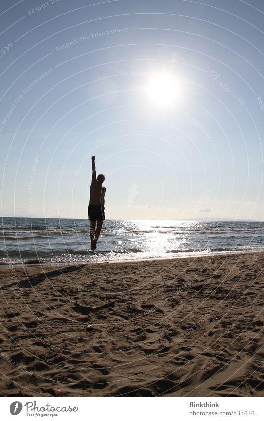 Super Man Mensch Ferien & Urlaub & Reisen Jugendliche Sommer Sonne Meer 18-30 Jahre Strand Ferne Erwachsene Sport Freiheit fliegen springen maskulin Luftverkehr