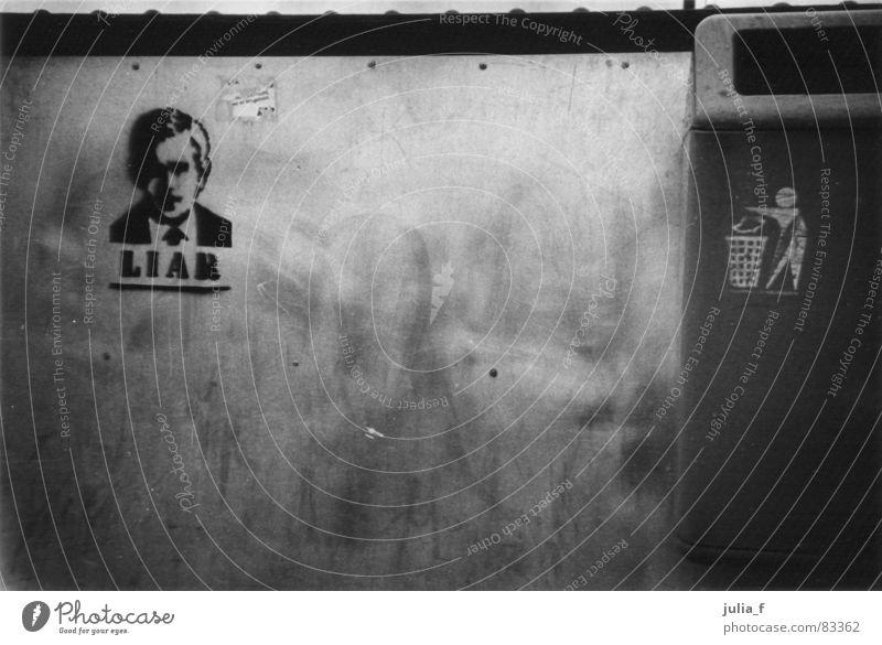liar schwarz dunkel Graffiti Macht USA Frieden Müll Wut Konflikt & Streit Amerika Krieg Ekel böse Ärger Hass Politik & Staat