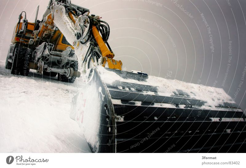 bagger01 Winter kalt Schnee Eis Kraft Kraft Macht Baustelle Gewalt Maschine bewegungslos hart extrem Bagger Koloss Schaufel