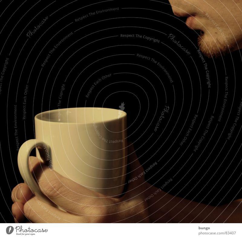 Einen hab' ich noch Mann Hand schön Freude Gesicht Wärme Mund Nase Finger Getränk Kaffee trinken festhalten Physik heiß Tee