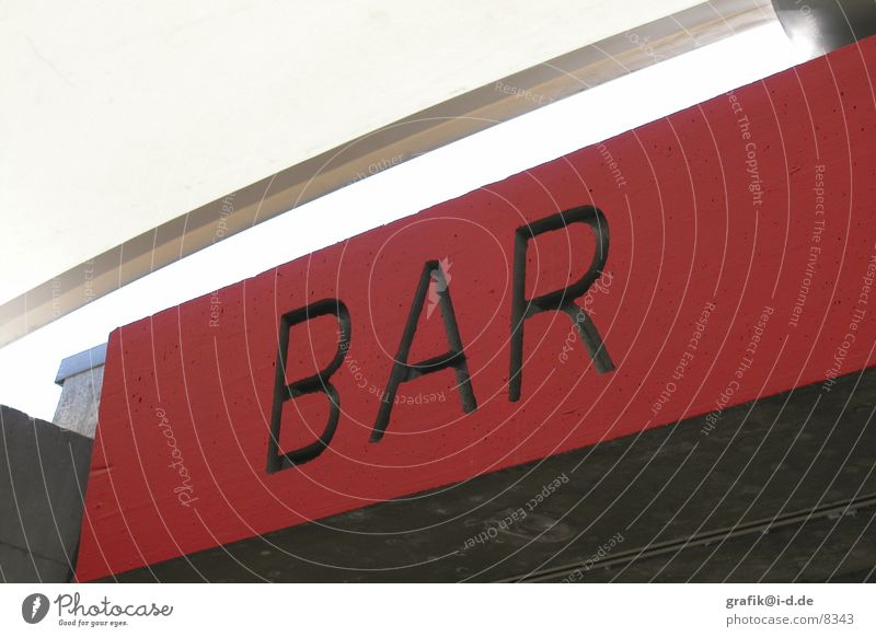 typo in rot oben Schilder & Markierungen Beton Schriftzeichen Bar Zeichen diagonal Typographie