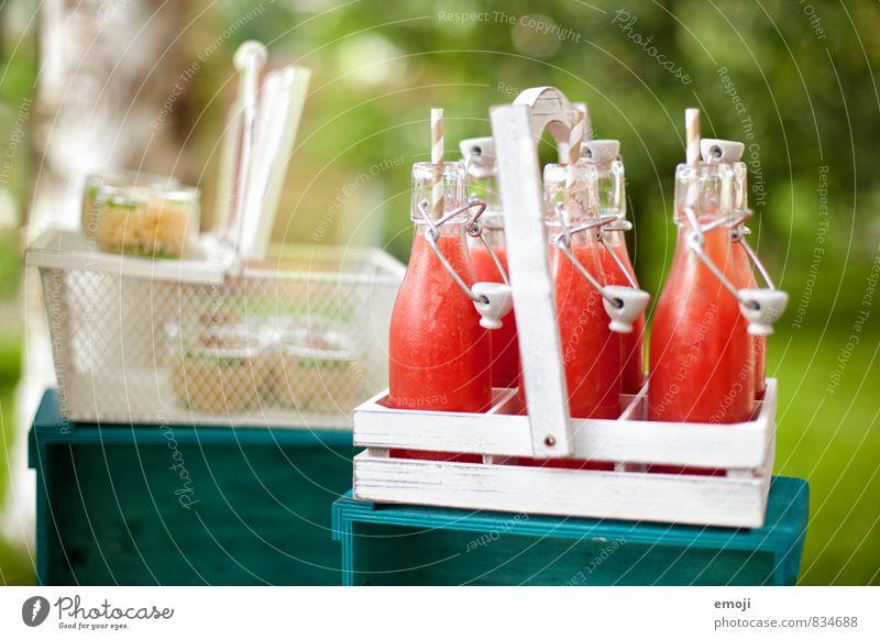 frisch & fruchtig Ernährung Picknick Getränk Erfrischungsgetränk Limonade Flasche Glas Trinkhalm lecker süß Farbfoto Außenaufnahme Menschenleer Tag