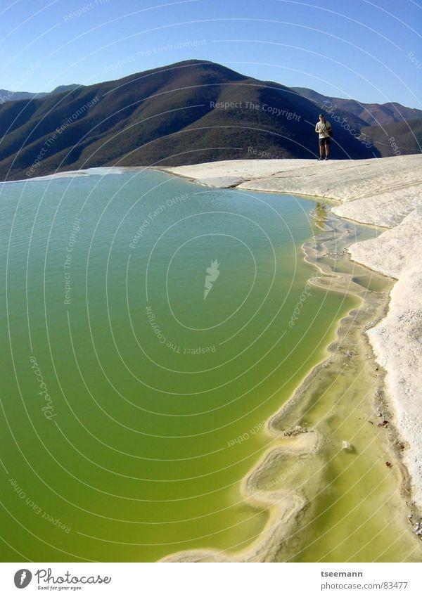 Säurebad? Wasser Himmel grün blau ruhig Berge u. Gebirge Stein Wasserfall Mexiko Mineralien