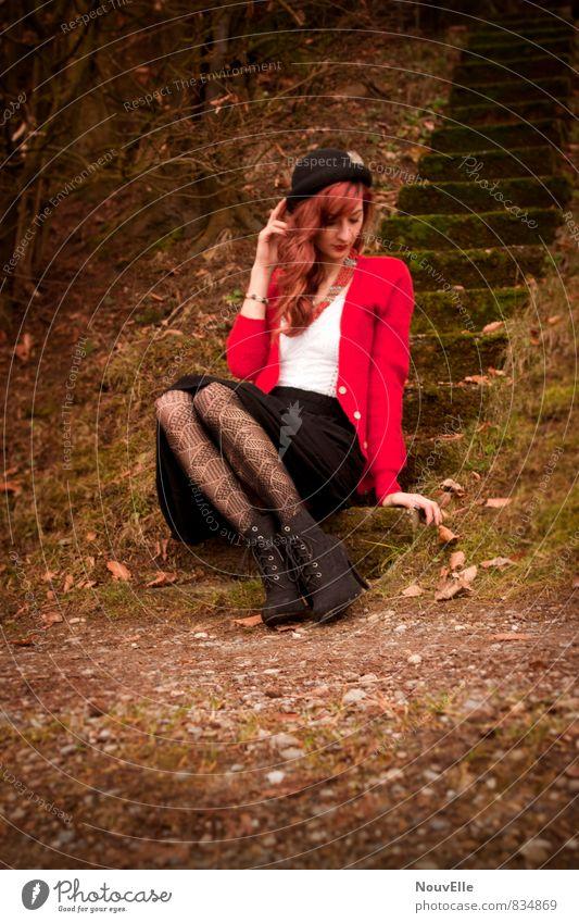 Smoothly. Mensch Frau Jugendliche schön Junge Frau rot 18-30 Jahre Erotik schwarz Erwachsene Leben feminin Haare & Frisuren außergewöhnlich Mode authentisch