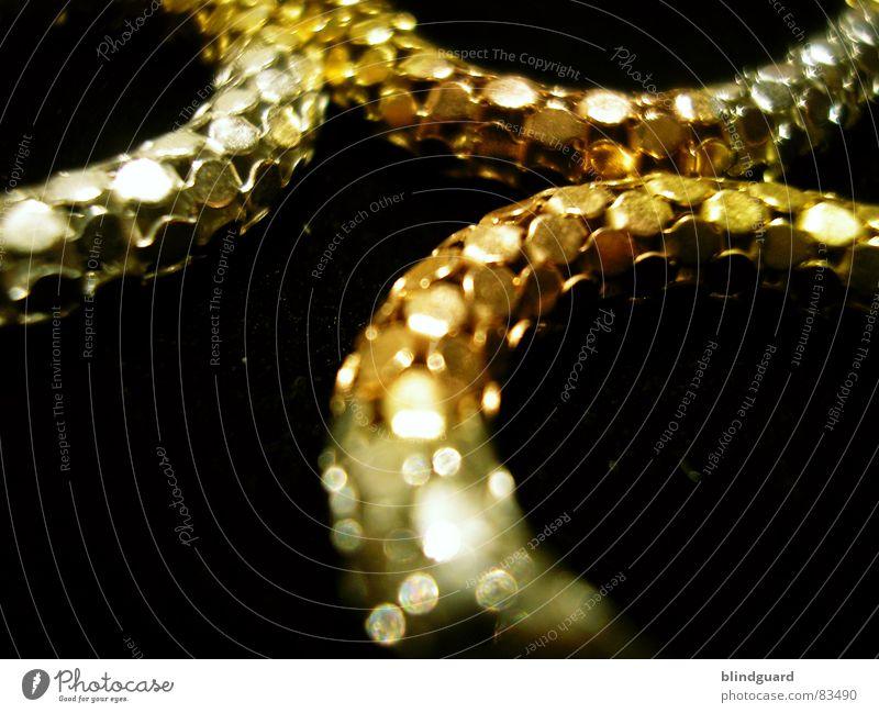 Silver And Gold Juwelier Wert Kostbarkeit Schmuck fein filigran glänzend teuer Halskette Dieb Einbruch Kunsthandwerk Makroaufnahme Unschärfe Reichtum Qualität