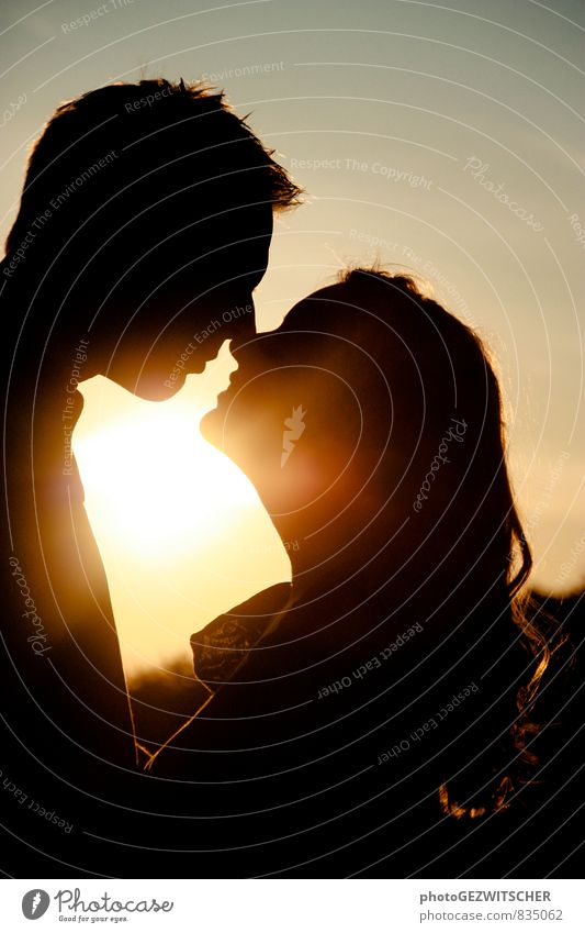 Liebespaar Mensch Jugendliche Junge Frau 18-30 Jahre Junger Mann Erwachsene Leben Gefühle feminin Glück Stimmung maskulin Idylle Lächeln Lebensfreude