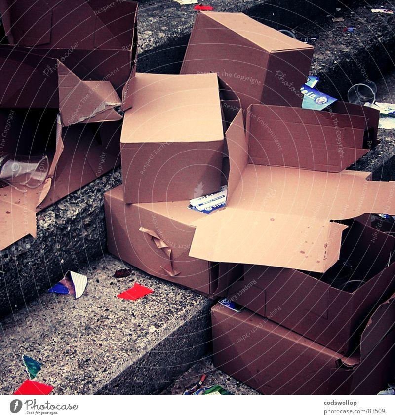 what a load of old rubbish Mull Abpfiff Programmheft Pappschachtel Karton leer Unsinn Samstag Nachmittag Haushalt Industrie programmes final whistle full time