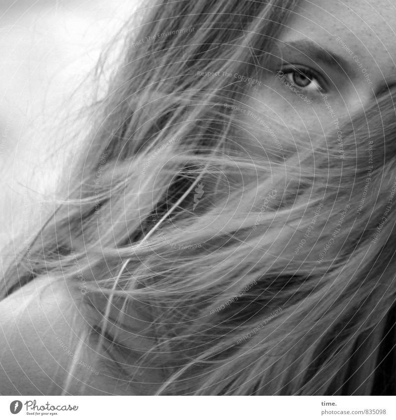 . Mensch schön Wärme Auge Bewegung Gefühle feminin Kopf elegant wild blond Haut Kommunizieren beobachten weich Wandel & Veränderung