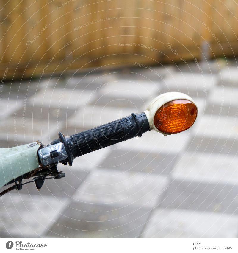 ochsenauge Ausflug Fahrzeug Oldtimer Motorrad Kleinmotorrad Holz Metall fahren warten Stadt orange Coolness Verlässlichkeit sparsam Bewegung Fortschritt Glück