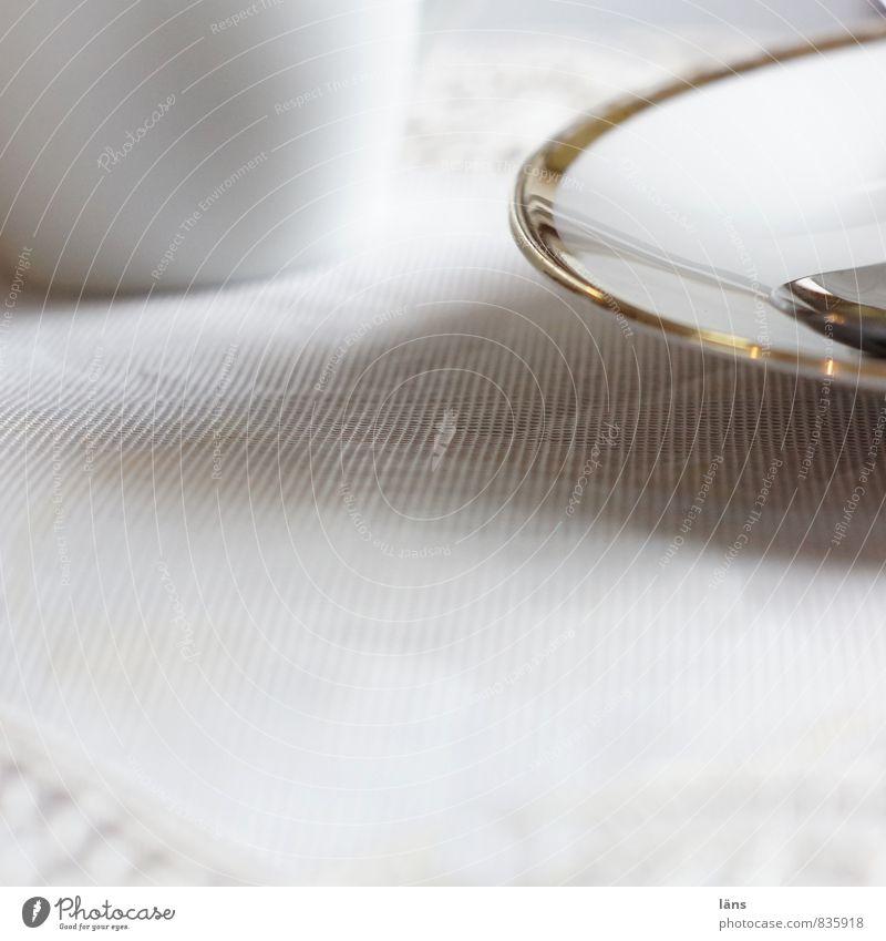 Goldrand Kaffee Teller Geschirr Tisch Tischdecke hell weiß