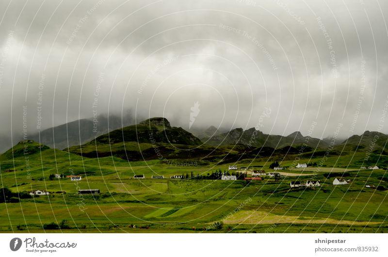 Klimawandel Natur Ferien & Urlaub & Reisen Landschaft Wolken Haus Ferne dunkel Umwelt Berge u. Gebirge Freiheit Wetter Regen Feld Wind Tourismus