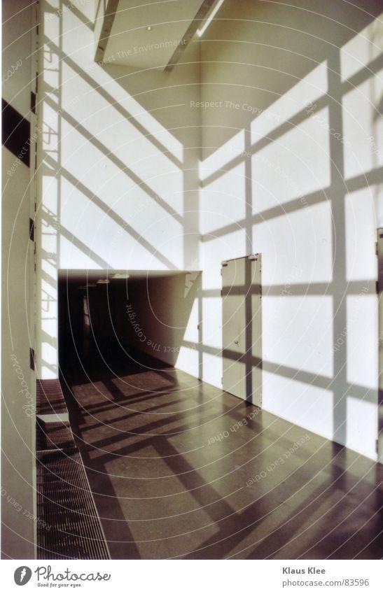to shade Sonne Wand Linie Raum Beton modern Klarheit Tunnel Sinn