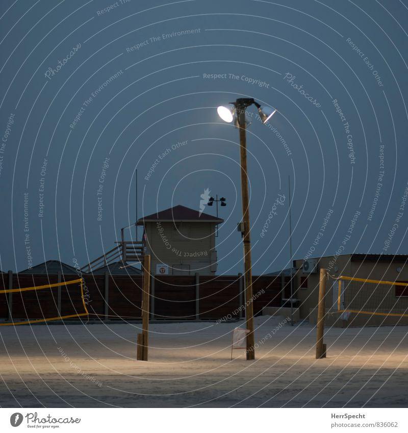 Lichtflut Ferien & Urlaub & Reisen Tourismus Strand Sport Ballsport Sportstätten Volleyball Volleyballfeld Volleyballnetz Tel Aviv Israel Stadt braun grau ruhig