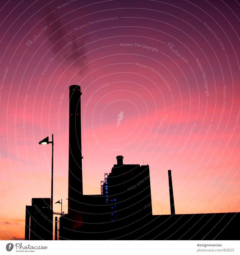 Think Pink! Frankfurt am Main Lampe Horizont Sonnenuntergang violett schwarz rosa Gebäude dunkel Wolkendecke groß klein Hochhaus Licht Fenster Gitter Physik