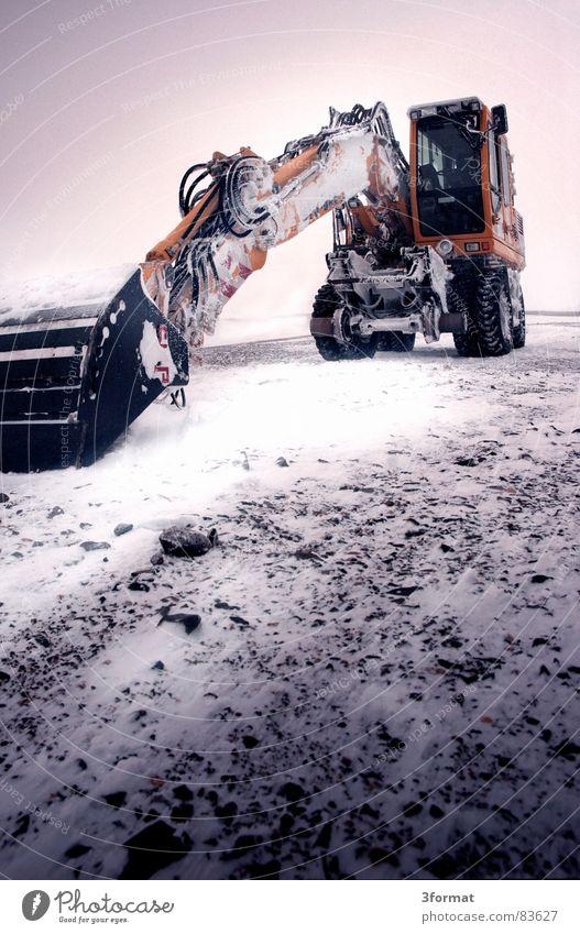 bagger02 Bagger Schaufel Löffelbagger Maschine Baumaschine Straßenbau kalt extrem Koloss ruhend Schneesturm bewegungslos hart Winter Kraft Macht Gewalt