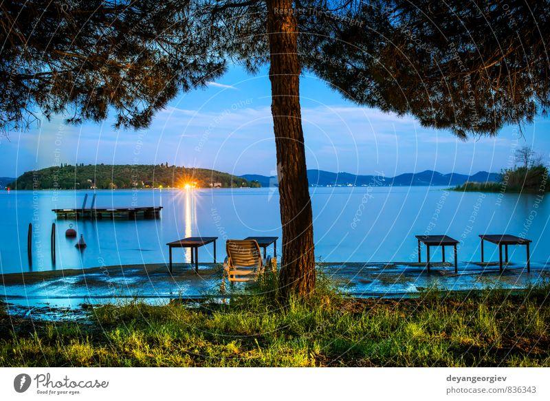 Morgens am Ufer eines Bergsees schön Ferien & Urlaub & Reisen Tourismus Sommer Sonne Berge u. Gebirge Umwelt Natur Landschaft Himmel Wolken Baum Park Wald