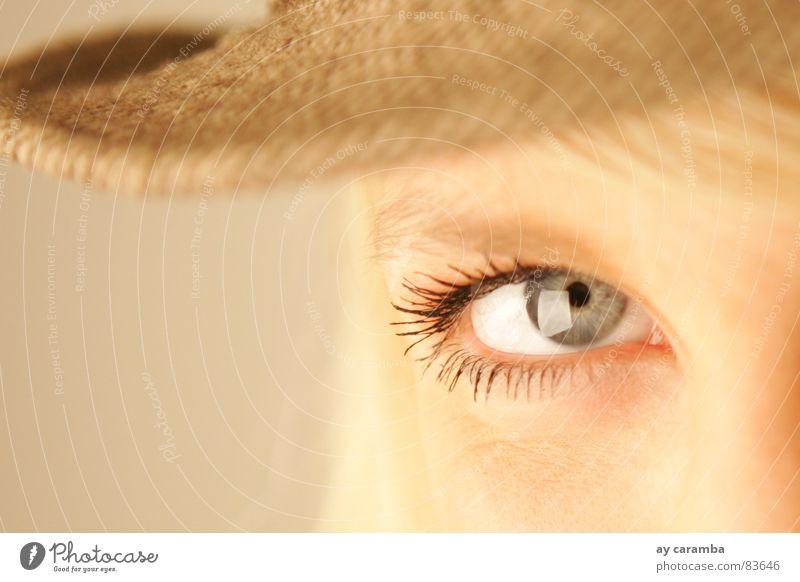 Augenblick Blick blau blond Hut schön ästhetisch Frau Kraft blaue Augen Momentaufnahme