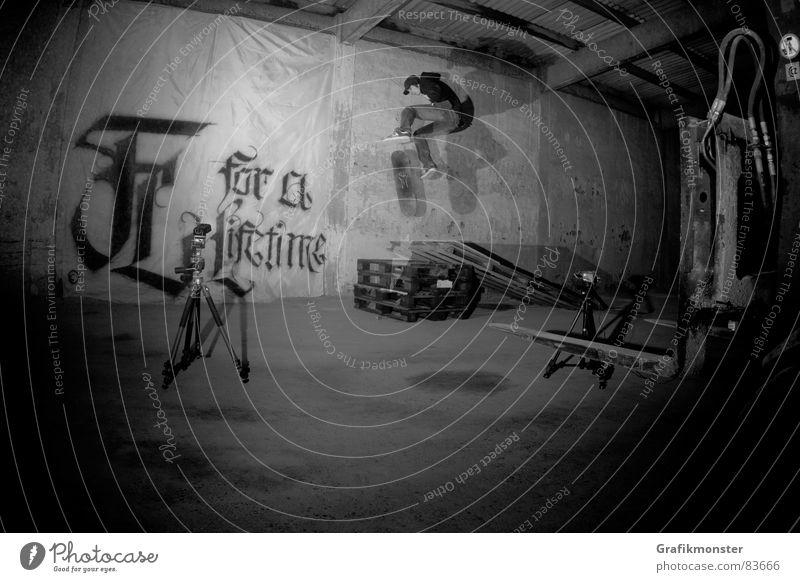 For a Lifetime 01 springen Skateboarding Lagerhalle Lagerhaus Extremsport Kickflip