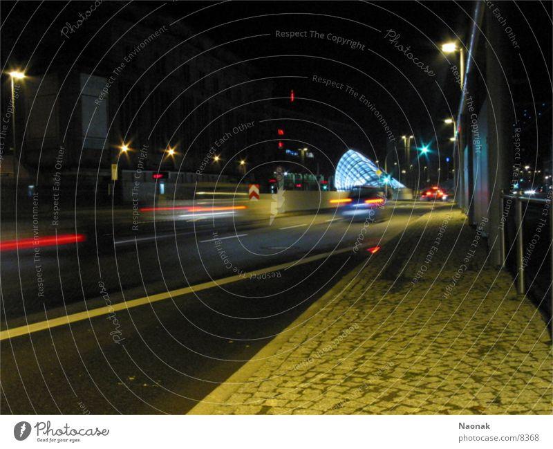Speedtown Stadt Geschwindigkeit Langzeitbelichtung Verkehr PKW Straße