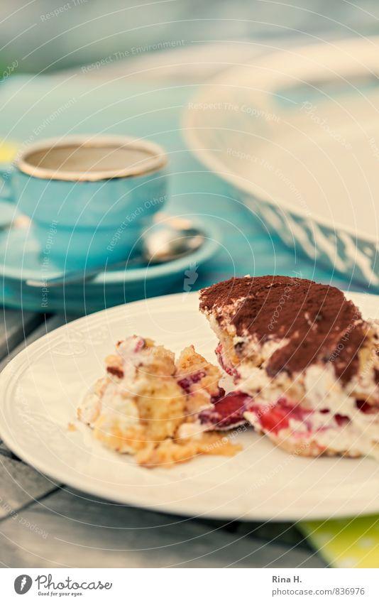 SommerTiramisu II Milcherzeugnisse Kuchen Dessert Ernährung Italienische Küche Geschirr Teller Tasse authentisch lecker süß türkis weiß genießen Erdbeeren