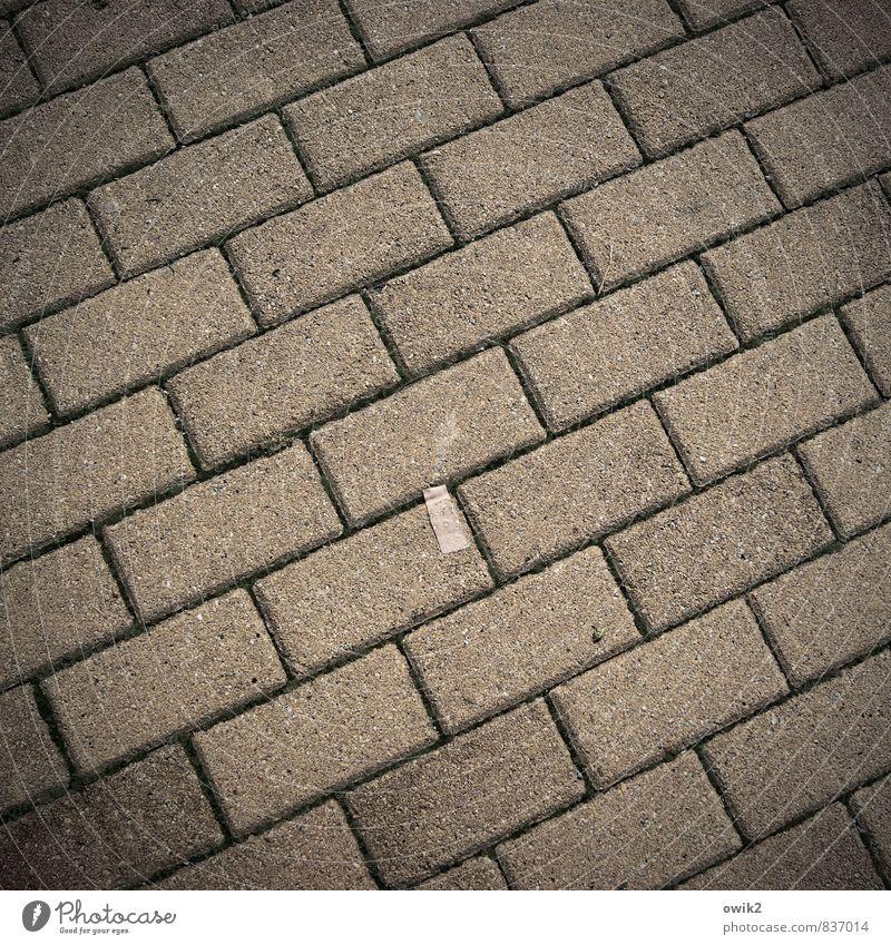 Sanierungsgebiet Verkehrswege Wege & Pfade Bürgersteig Pflastersteine Heftpflaster Beton dunkel eckig einfach Zusammensein unten Schwäche Zusammenhalt