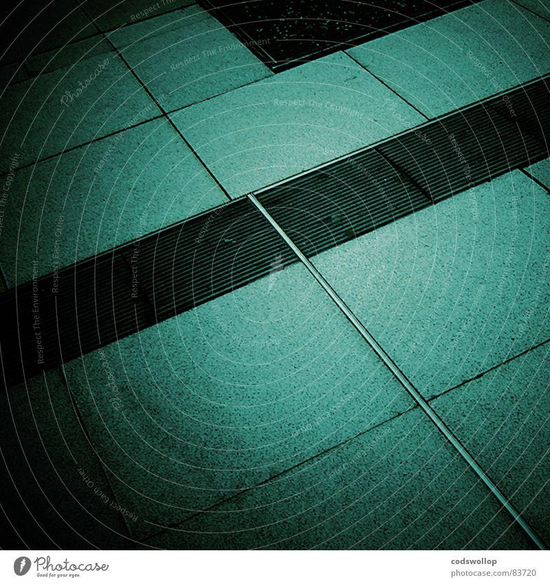 blass um die nase türkis grün Bodenplatten Tanzfläche grau Stahl Gully schwarz Quadrat Rechteck Geometrie Erfolg Bahnhof Detailaufnahme einen geometry manhole