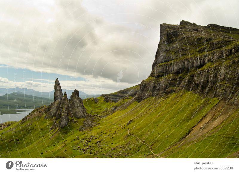 Old Man of Storr II | Isle of Skye, Scotland Natur Ferien & Urlaub & Reisen Sommer Landschaft Wolken Ferne Umwelt Berge u. Gebirge Bewegung Wiese Sport Freiheit