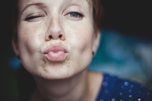 bussi baba Mensch Frau Jugendliche schön Freude 18-30 Jahre Erwachsene feminin Liebe lustig natürlich Glück verrückt Fröhlichkeit Lächeln niedlich