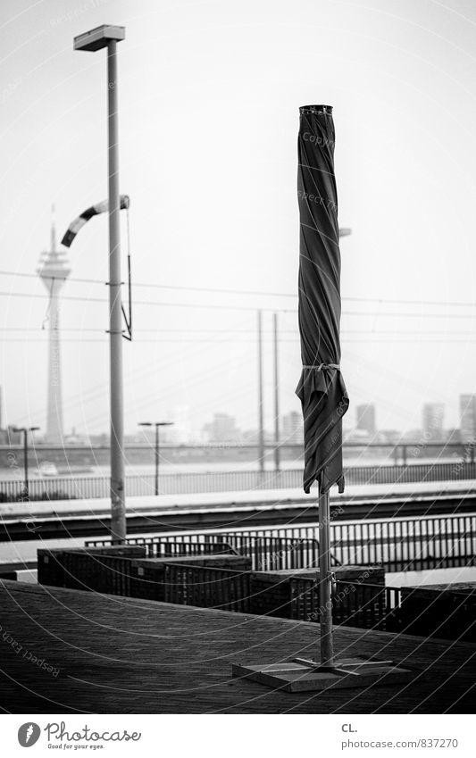 schönste stadt am rhein Himmel Stadt Platz Brücke Sonnenschirm Sehenswürdigkeit Düsseldorf Rheinturm