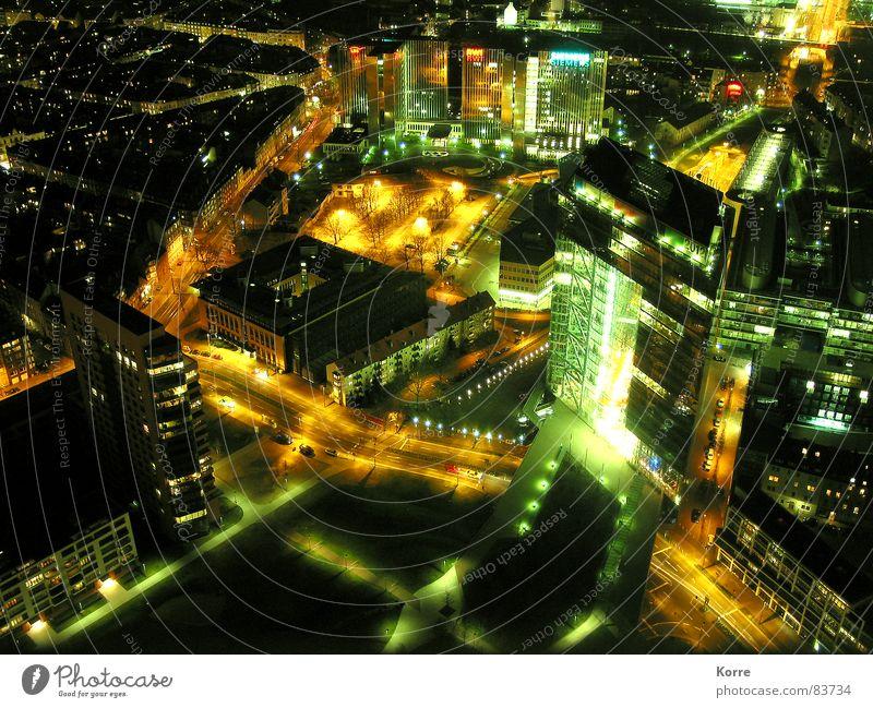 sparkling city I Stadt Beleuchtung glänzend Hochhaus Luftaufnahme modern Energiewirtschaft Elektrizität Luftverkehr Aussicht Laterne Skyline Verkehrswege Düsseldorf Nacht