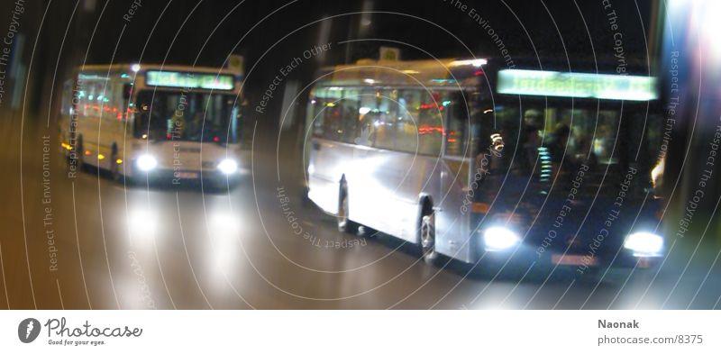 busrace2 Nacht Licht Reflexion & Spiegelung Bewegungsunschärfe Verkehr Bus Abend