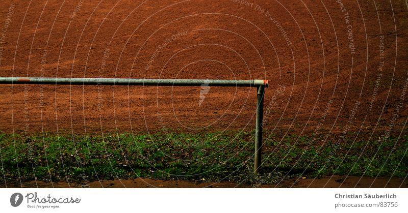 Ascheplatz grün Freude Spielen Gras Freizeit & Hobby Platz Sportrasen Spielfeld Grenze Rahmen Barriere Seite Am Rand Stadtteil Stab