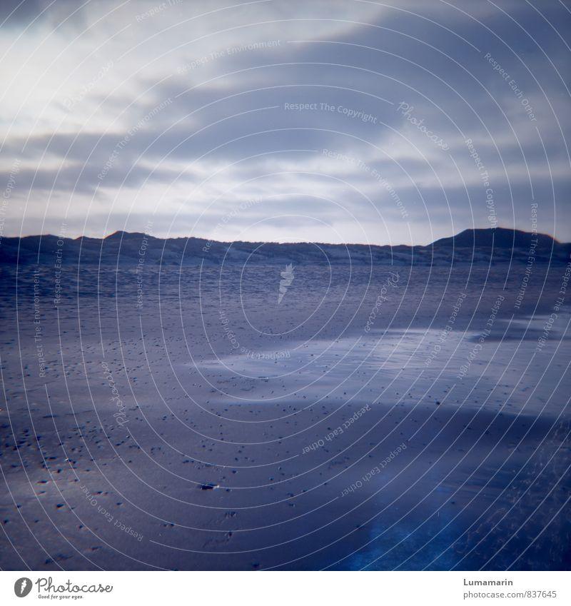Meeresspiegel Umwelt Landschaft Urelemente Sand Luft Wasser Himmel Wolken Wetter Strand Nordsee kalt blau Ferne Ebbe ruhig Stranddüne Traurigkeit Erholung