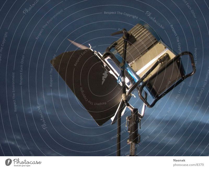 enlight up the night 1 Lampe Technik & Technologie Scheinwerfer Flutlicht Elektrisches Gerät